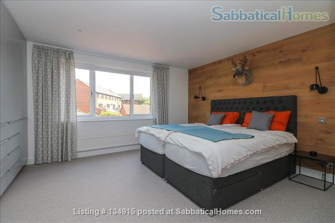 State-of-the-art 4-bed / 2.5 bath family house with canal views Home Exchange in Warwick, England, United Kingdom 4