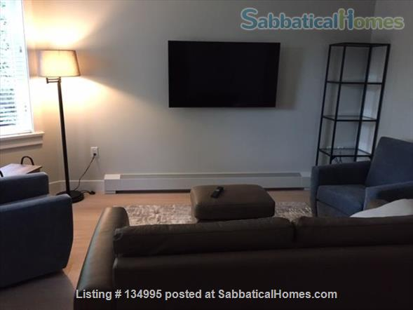 Bright clean apartment in  a great community setting Home Rental in Vancouver, British Columbia, Canada 6