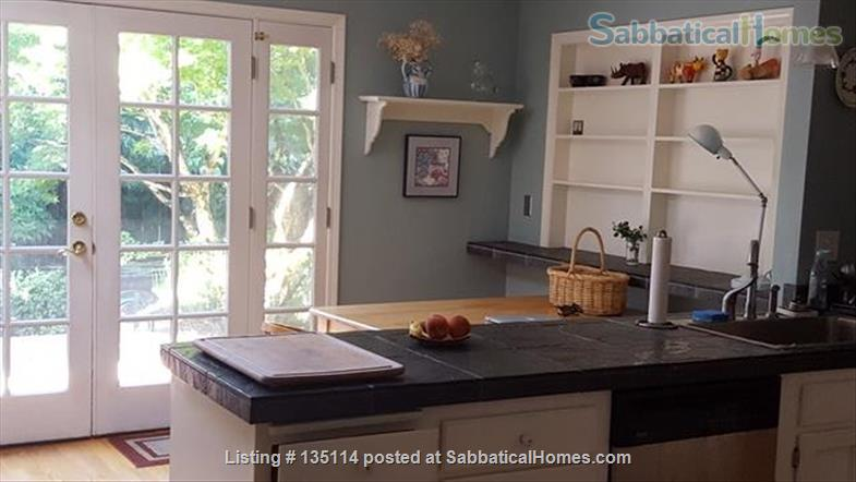 Spacious and Light Filled Home in NE Portland Home Rental in Portland, Oregon, United States 5