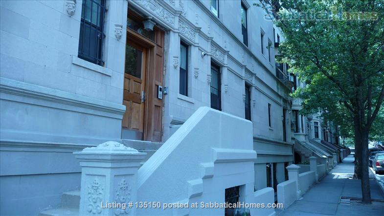 Beautiful  Sunny 2 Bedroom Duplex with 11 Windows and Washer/Dryer Home Rental in New York, New York, United States 8