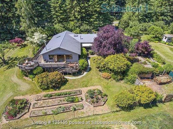 Goldeneye Farm Home Rental in Olga, Washington, United States 9