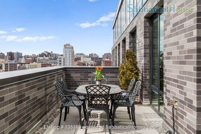 Beautiful room in luxury apartment walking distance to Columbia University Home Rental in New York, New York, United States 4