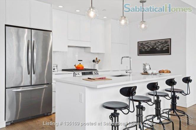 Beautiful room in luxury apartment walking distance to Columbia University Home Rental in New York, New York, United States 5