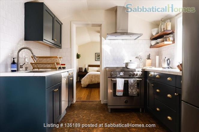 Newly Remodeled Garden Cottage with Parking Home Rental in Berkeley, California, United States 3