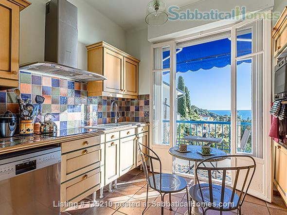 NICE, BEST AMAZING OCEAN VIEW. 2 bedrooms with A/C open on a terrace overlooking a forest. Private garage. Ideal for working from home with Dual Band Mesh wifi 6 system,  Standing desk and ergonomic chair Home Exchange in Nice, Provence-Alpes-Côte d'Azur, France 4