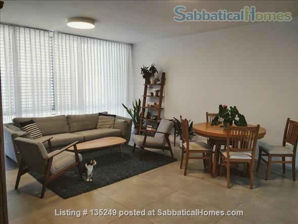 Beautiful 3-bedroom apartment in central Tel-Aviv Home Rental in Tel Aviv-Yafo 2 - thumbnail