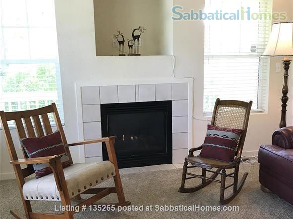 Furnished Wellman Creek townhome by UC Research Park, close to NIST, NCAR Home Rental in Boulder, Colorado, United States 3