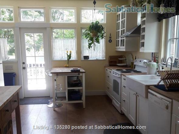 Remodeled bungalow in perfect Central District location Home Rental in Seattle, Washington, United States 0