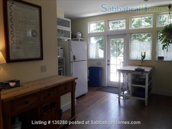 Remodeled bungalow in perfect Central District location Home Rental in Seattle, Washington, United States 2