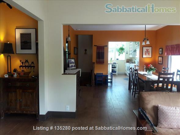 Remodeled bungalow in perfect Central District location Home Rental in Seattle, Washington, United States 3