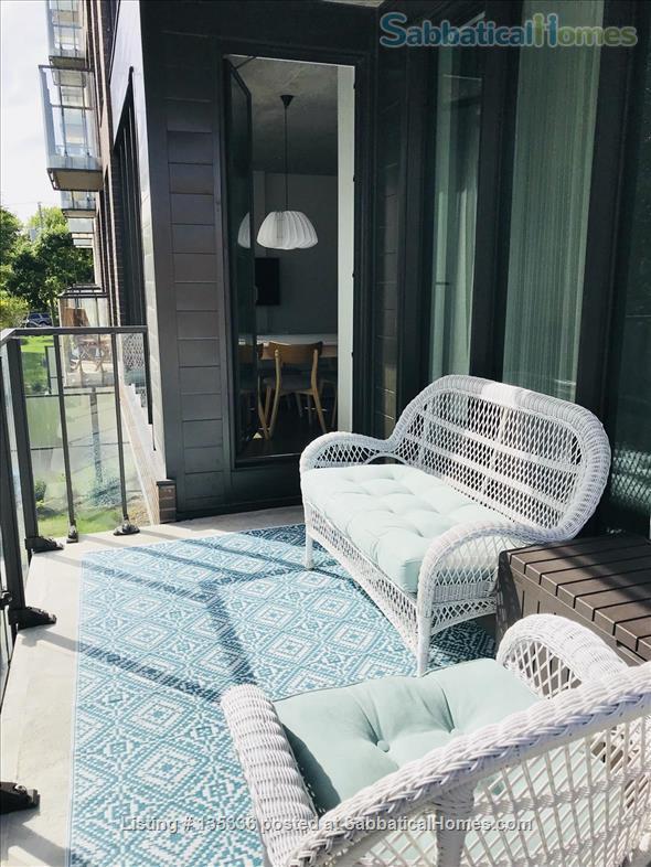 Beautiful two-bedroom on the park near Marché Jean Talon Home Rental in Montréal, Québec, Canada 9