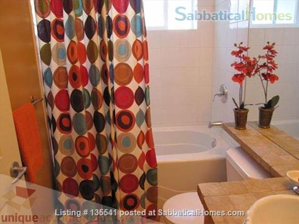 Luxury Kitsilano 2 Bedroom + Den 3 Bathroom Townhouse near beach Home Rental in Vancouver, British Columbia, Canada 9