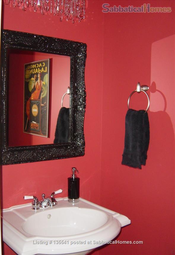 Luxury Kitsilano 2 Bedroom + Den 3 Bathroom Townhouse near beach Home Rental in Vancouver, British Columbia, Canada 5