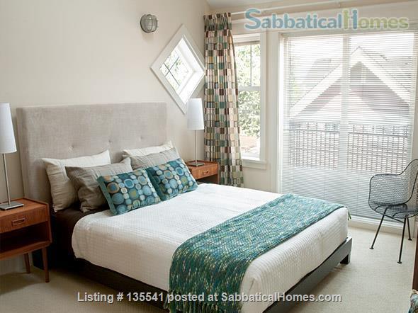 Luxury Kitsilano 2 Bedroom + Den 3 Bathroom Townhouse near beach Home Rental in Vancouver, British Columbia, Canada 6