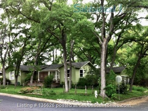 Large Furnished House to Share in Beautiful, Shady French Place Neighborhood Near UT and Downtown. Home Rental in Austin, Texas, United States 9