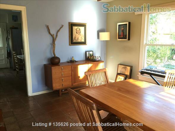 Large Furnished House to Share in Beautiful, Shady French Place Neighborhood Near UT and Downtown. Home Rental in Austin, Texas, United States 3