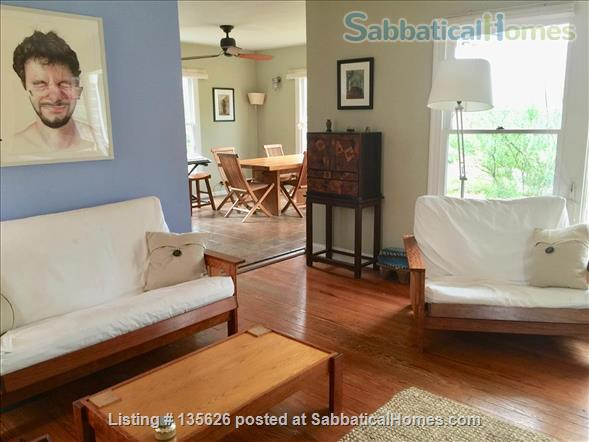 Large Furnished House to Share in Beautiful, Shady French Place Neighborhood Near UT and Downtown. Home Rental in Austin, Texas, United States 7