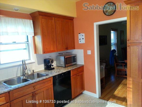 Lovely 3 BR home in Southwest Minneapolis - just 15 mins from the university Home Rental in Minneapolis, Minnesota, United States 1