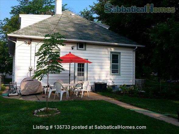 Lovely 3 BR home in Southwest Minneapolis - just 15 mins from the university Home Rental in Minneapolis, Minnesota, United States 0