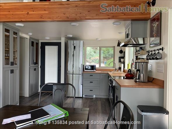 Chalet on Lake Osoyoos Home Rental in Oroville, Washington, United States 3
