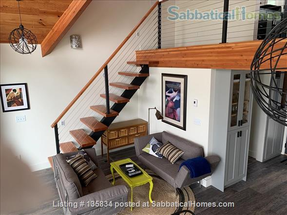 Chalet on Lake Osoyoos Home Rental in Oroville, Washington, United States 5