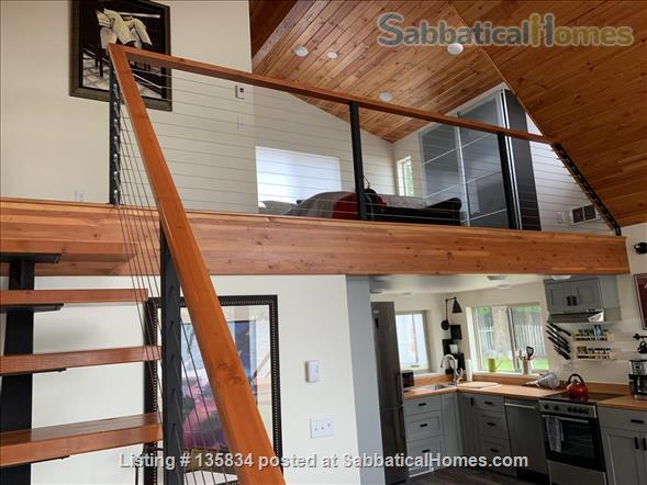 Chalet on Lake Osoyoos Home Rental in Oroville, Washington, United States 6