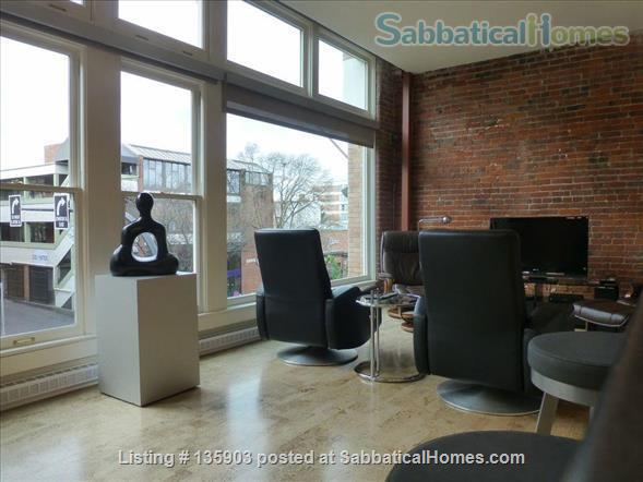 Modern Living in Victoria's Historical Downtown Home Rental in Victoria, British Columbia, Canada 3