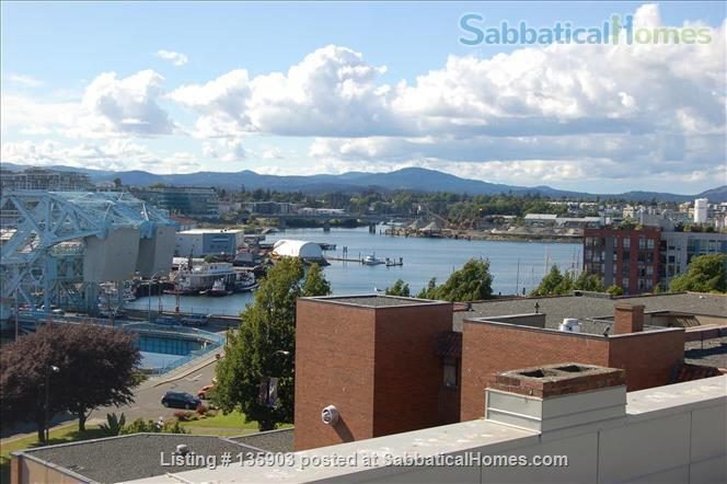 Modern Living in Victoria's Historical Downtown Home Rental in Victoria, British Columbia, Canada 8
