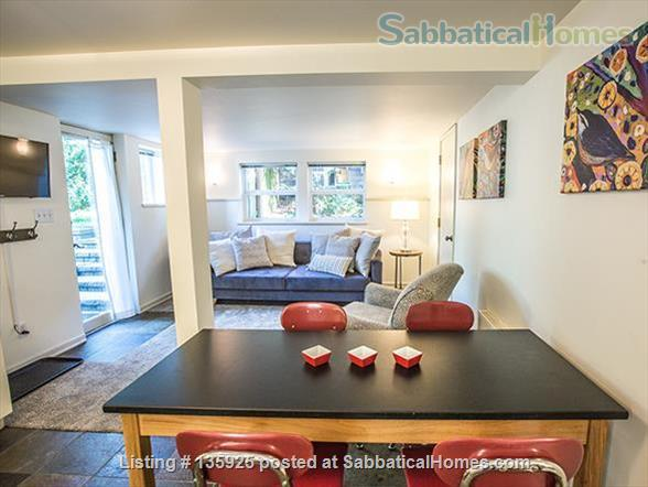 Light, Stylish Suite in Private Phinney Home Home Rental in Seattle, Washington, United States 4