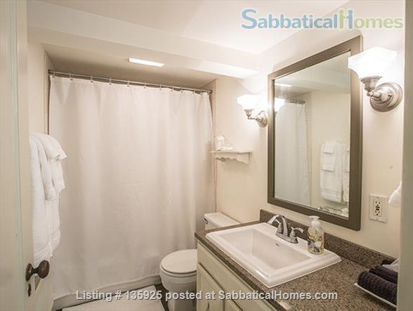 Light, Stylish Suite in Private Phinney Home Home Rental in Seattle, Washington, United States 5