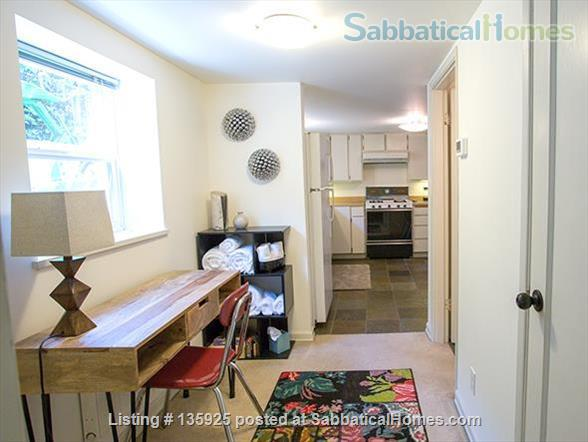 Light, Stylish Suite in Private Phinney Home Home Rental in Seattle, Washington, United States 6