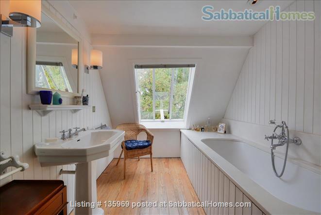 Artist's atelier (160 m2) in the 14th quarter of Paris Home Rental in Paris, Île-de-France, France 9