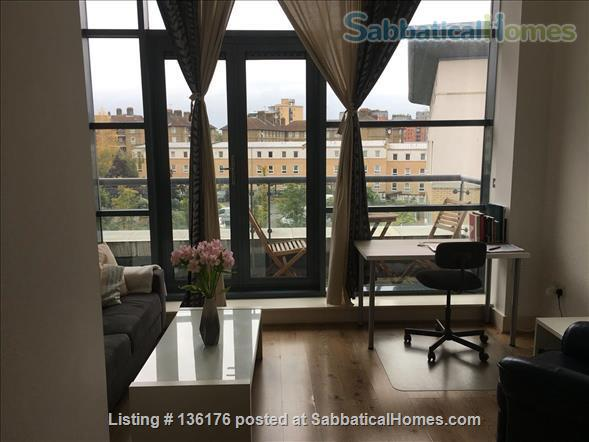Penthouse with balcony, dishwasher, 24 hour security Home Rental in Isle of Dogs, England, United Kingdom 0