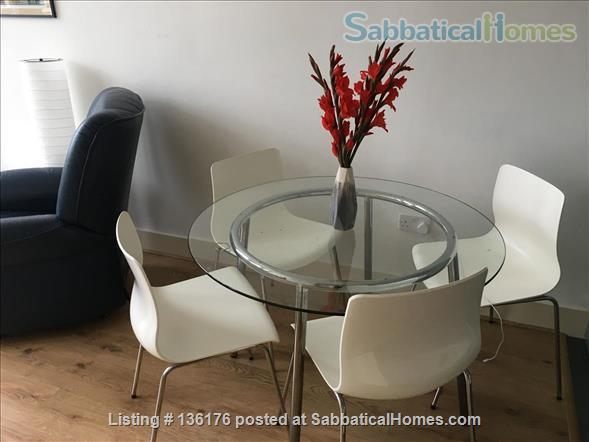 Penthouse with balcony, dishwasher, 24 hour security Home Rental in Isle of Dogs, England, United Kingdom 3