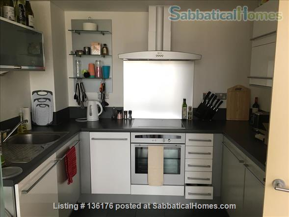 Penthouse with balcony, dishwasher, 24 hour security Home Rental in Isle of Dogs, England, United Kingdom 4