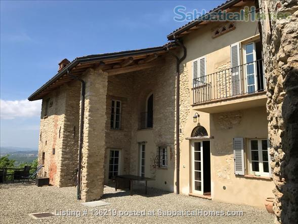 Beautiful  peaceful villa in Piedmont. for fine Italian cuisine and wine, Home Rental in Orsara Bormida, Piemonte, Italy 2