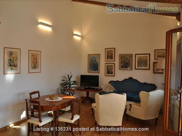 """""""La Zagara"""": wide and bright top-floor flat overlooking Venice's rooftops Home Rental in Venezia, Veneto, Italy 0"""