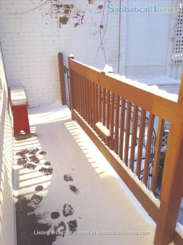 AV. JULY 15TH-UPPER DUPLEX WITH SUNNY BALCONY HEART PLATEAU : M. SHERBROOKE Home Rental in Montréal, Québec, Canada 9