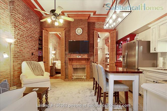 Updated 1-bed condo with pool on quiet end of French Quarter Home Rental in New Orleans, Louisiana, United States 9