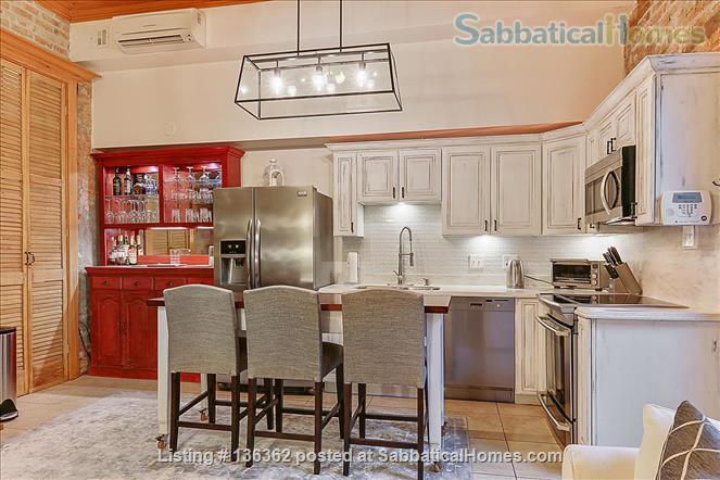 Updated 1-bed condo with pool on quiet end of French Quarter Home Rental in New Orleans, Louisiana, United States 2