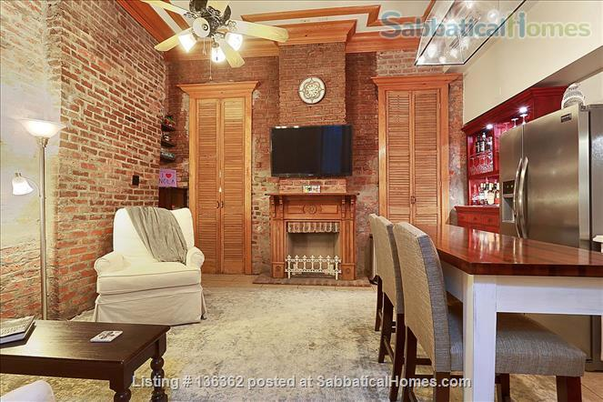 Updated 1-bed condo with pool on quiet end of French Quarter Home Rental in New Orleans, Louisiana, United States 4
