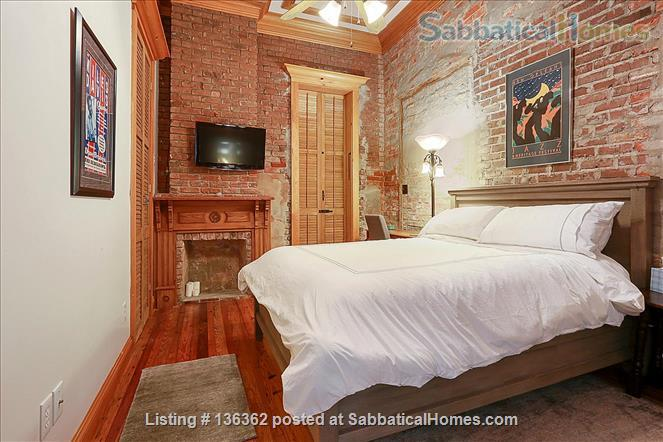 Updated 1-bed condo with pool on quiet end of French Quarter Home Rental in New Orleans, Louisiana, United States 5