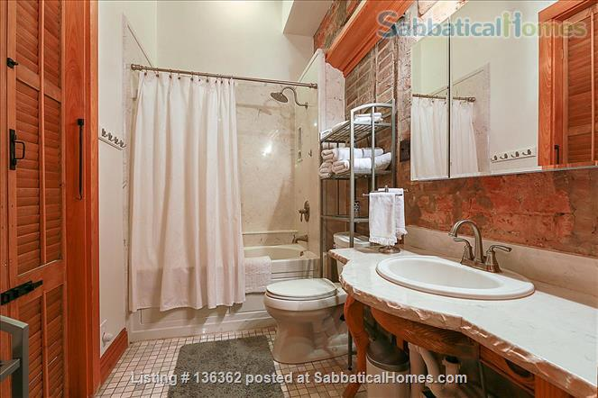 Updated 1-bed condo with pool on quiet end of French Quarter Home Rental in New Orleans, Louisiana, United States 6