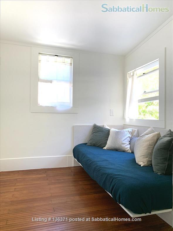 Beautiful, centrally located 3bd/2ba modern Berkeley farmhouse Home Rental in Berkeley, California, United States 7