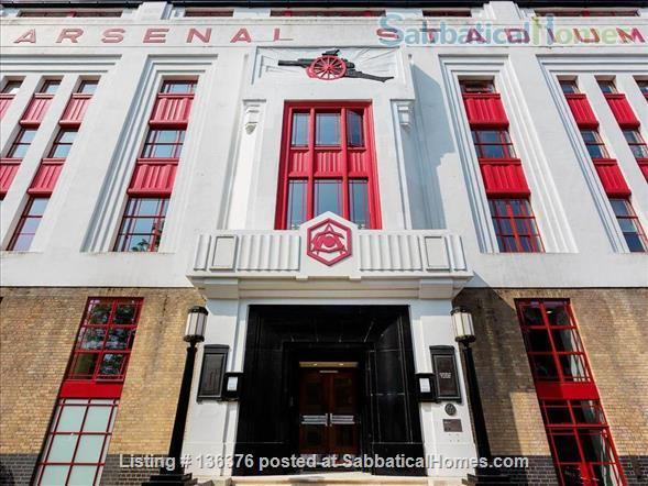 Contemporary London flat in the historic Arsenal Football Stadium  Home Rental in Highbury Square, England, United Kingdom 1