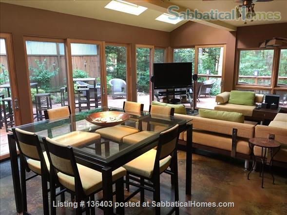 Stunning, Spacious, Sun-Drenched Modern Home. Walk to Campus. Home Rental in State College, Pennsylvania, United States 0