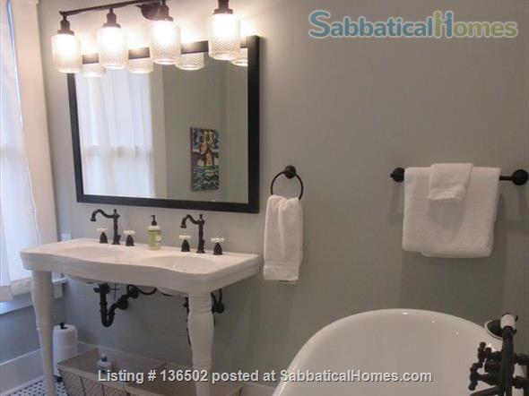 3 Bedroom/2 Bath Craftsman Cottage  Home Rental in Savannah, Georgia, United States 3