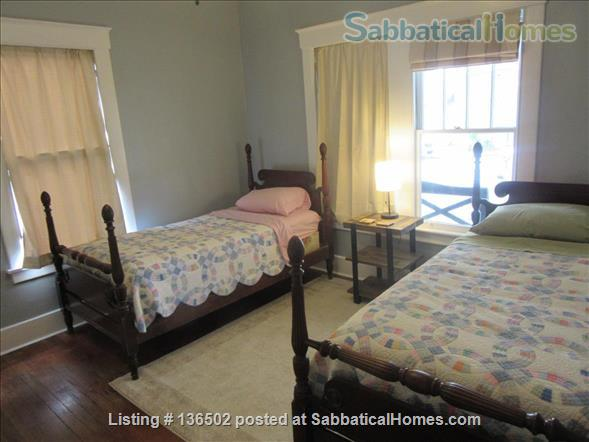 3 Bedroom/2 Bath Craftsman Cottage  Home Rental in Savannah, Georgia, United States 7