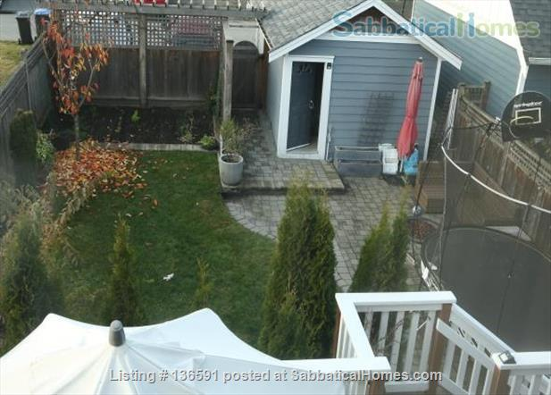 3 Bdrm family home- walkable community  - across from school,  close to parks, shops and community activities Home Exchange in New Westminster 9