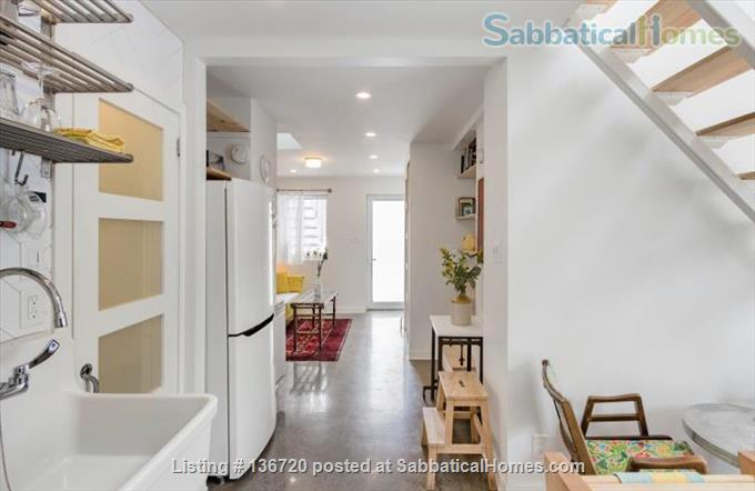 Microhouse - Condo in the heart of Little Italy December 1 - March 1, 2021 Home Rental in Montreal, Quebec, Canada 3